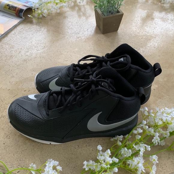 Nike Other - Nike Team Hustle 07 Black Youth Sneakers  6.5